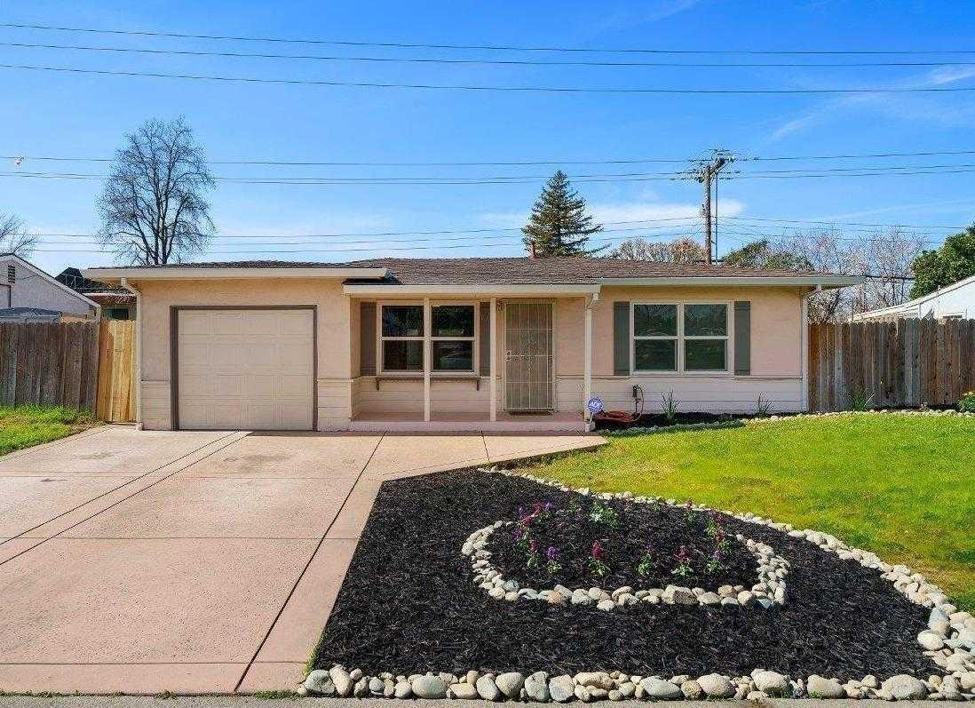 2913 Burnece St Sacramento, CA 95821
