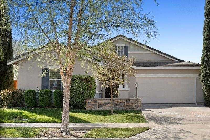 $589,900 - 3Br/2Ba -  for Sale in Bridgeway Lakes, West Sacramento