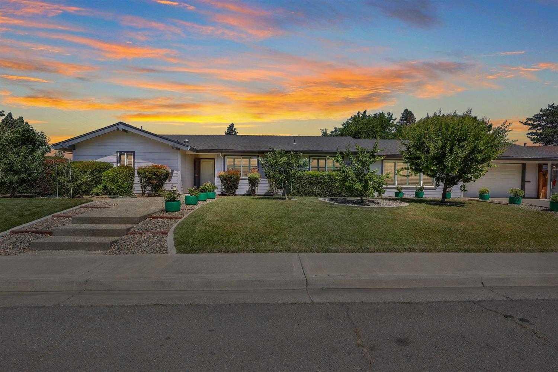 $849,000 - 3Br/2Ba -  for Sale in El Macero Vista, Davis
