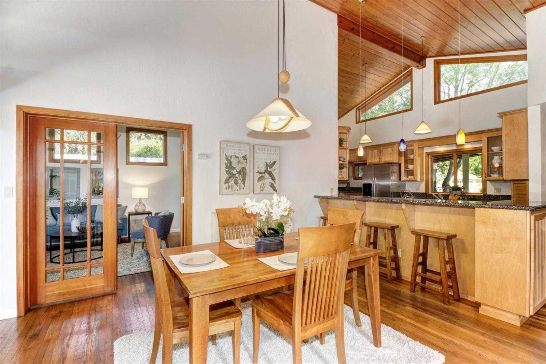 $975,000 - 4Br/3Ba -  for Sale in Norwood 05, Davis