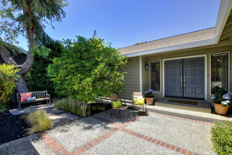 $1,039,000 - 4Br/2Ba -  for Sale in Stonegate, Davis