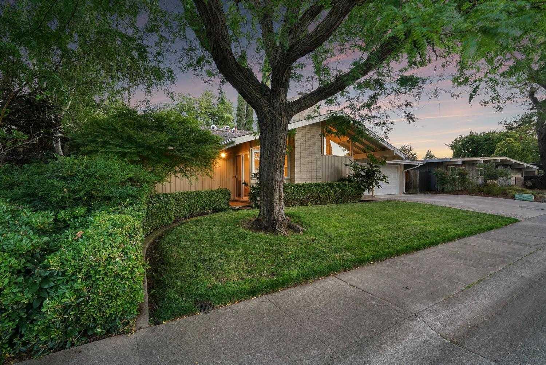 $1,125,000 - 3Br/3Ba -  for Sale in Davis