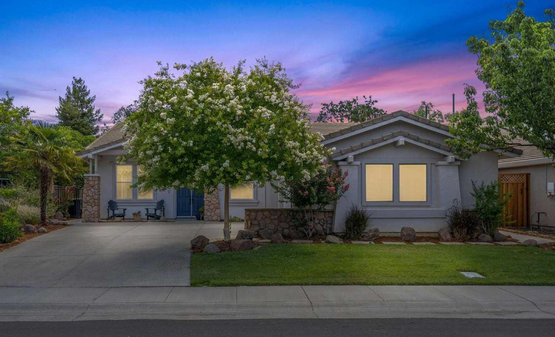 $1,050,000 - 3Br/3Ba -  for Sale in Davis