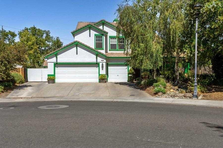 $924,000 - 4Br/3Ba -  for Sale in Davis