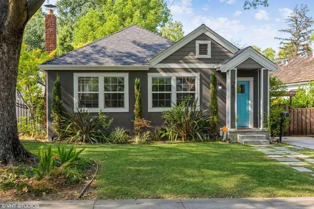 Home for sale listing photo: 2537 10th Ave, Sacramento, CA, 95818