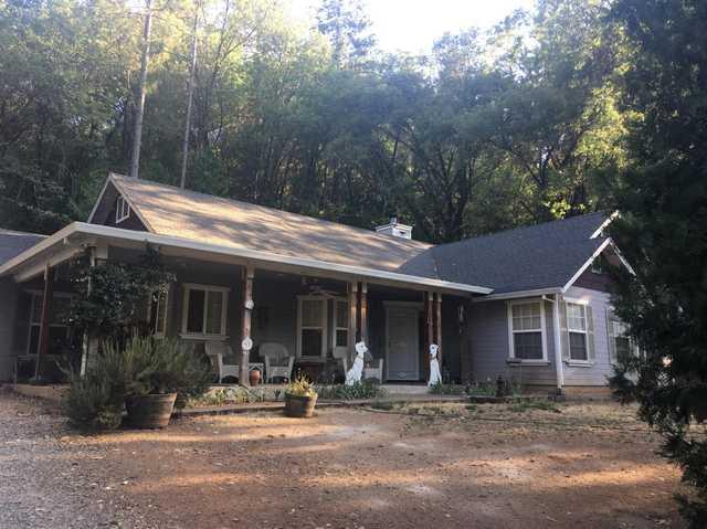 Home for sale listing photo: 21250 Payton Ln, Pine Grove, CA, 95665