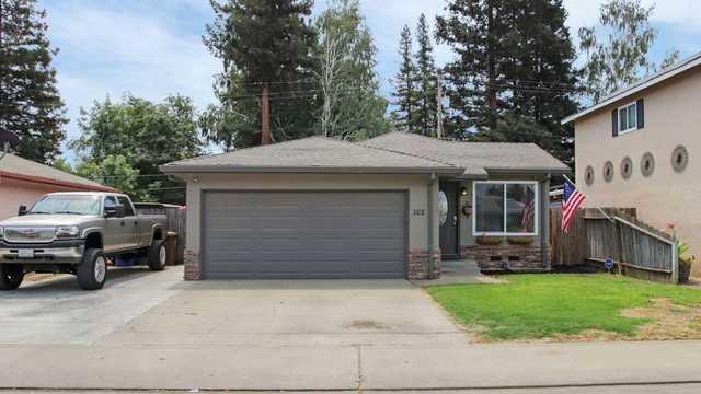 Home for sale listing photo: 502 La Salle St, Woodbridge, CA, 95258