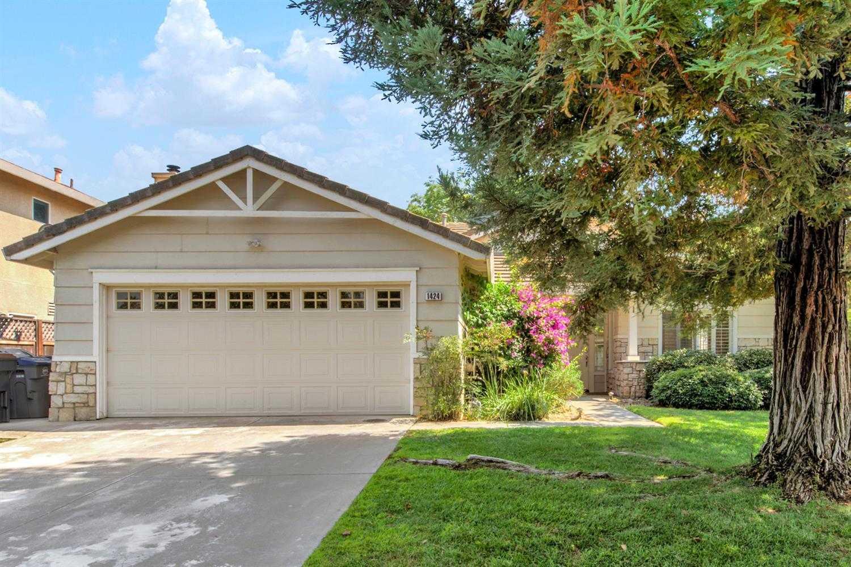 $799,000 - 4Br/2Ba -  for Sale in Mace Ranch, Davis