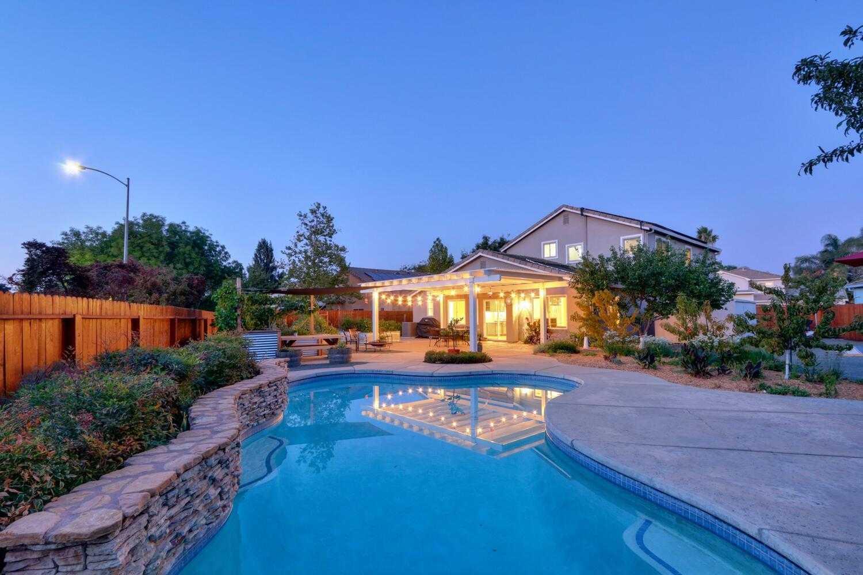 $1,185,000 - 4Br/3Ba -  for Sale in Davis