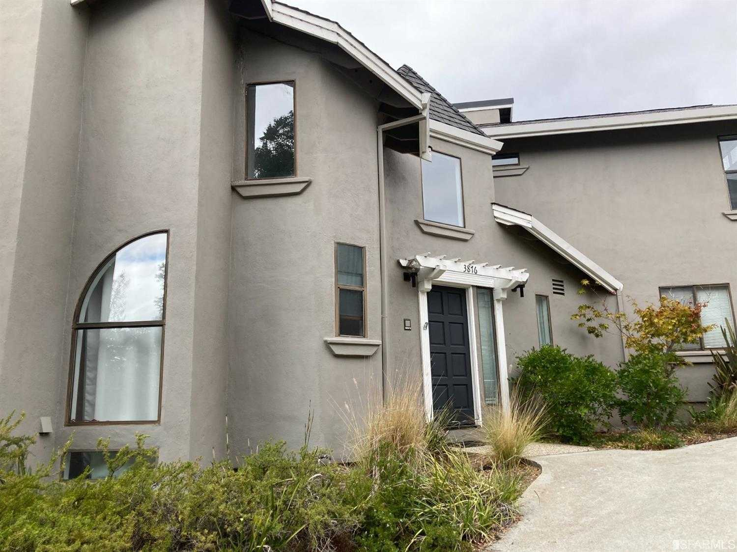 $3,988,000 - 7Br/7Ba -  for Sale in Redwood City