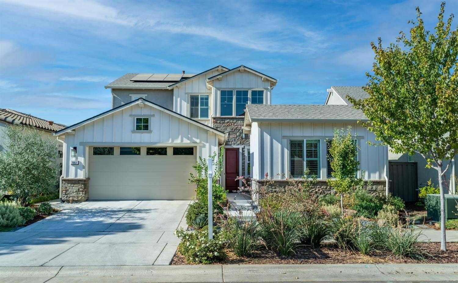 $1,185,000 - 5Br/4Ba -  for Sale in Cannery, Davis