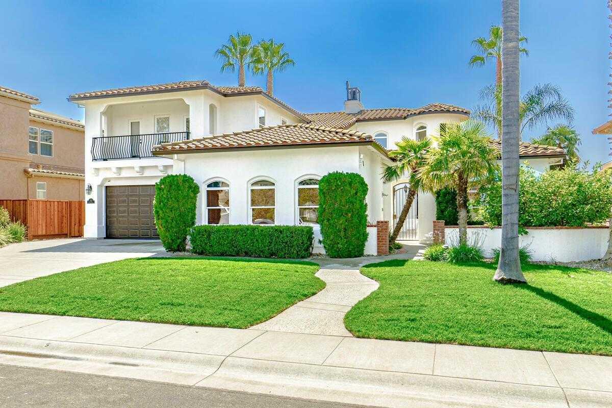 $1,775,000 - 4Br/4Ba -  for Sale in Lake Alhambra Estates, Davis