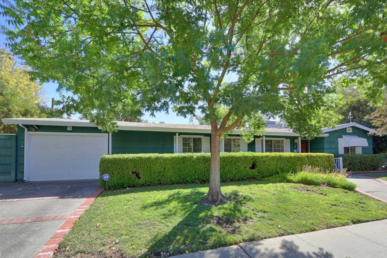 $809,000 - 3Br/2Ba -  for Sale in Oeste Manor, Davis