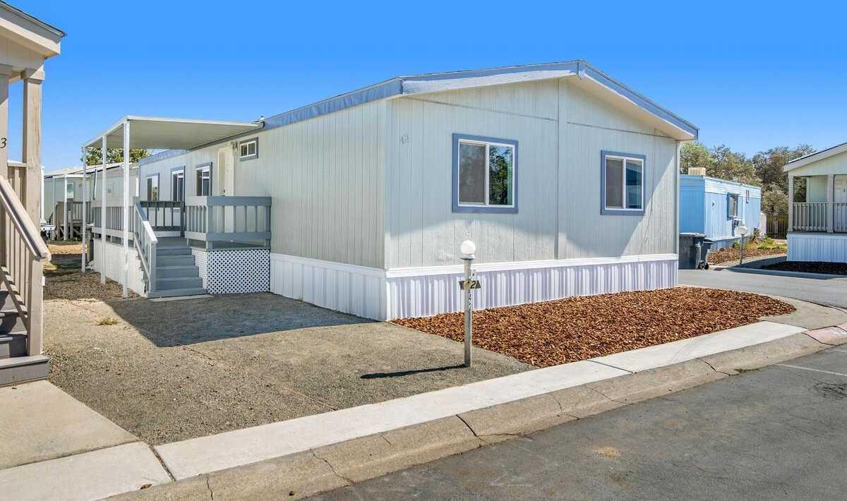$149,000 - 3Br/2Ba -  for Sale in Davis