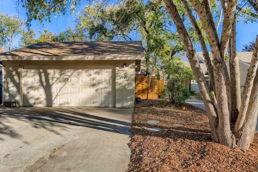 $649,000 - 3Br/2Ba -  for Sale in Davis