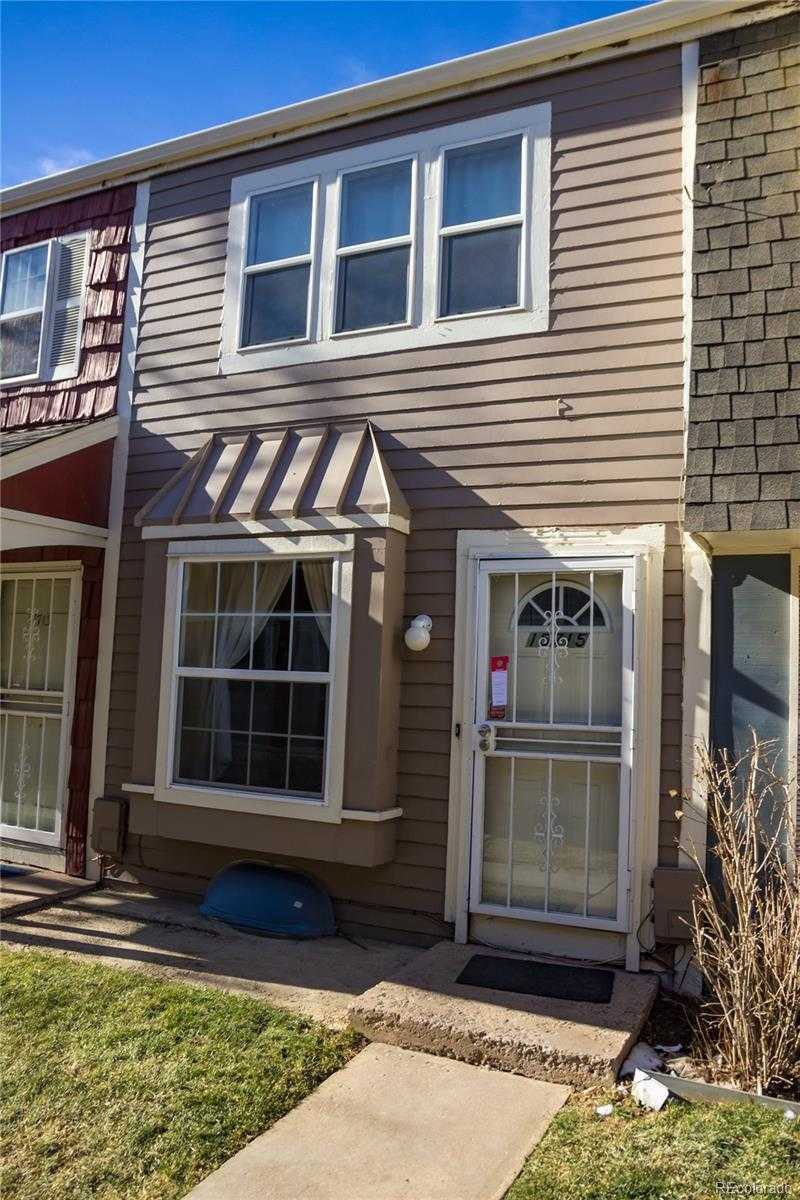 $214,900 - 3Br/2Ba -  for Sale in Berkshire Place, Aurora
