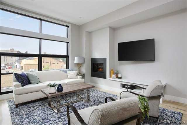 $795,000 - 3Br/4Ba -  for Sale in Lowry, Denver