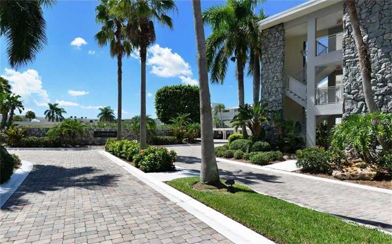 $439,000 - 2Br/2Ba -  for Sale in Sands Point, Longboat Key