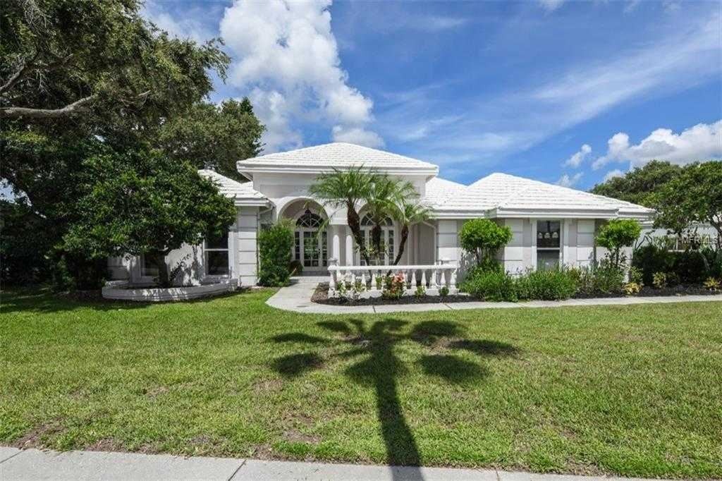 $489,000 - 4Br/4Ba -  for Sale in Misty Creek, Sarasota