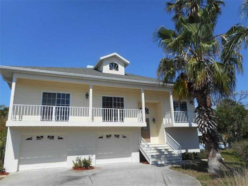 $650,000 - 3Br/3Ba -  for Sale in Palm Harbor, Holmes Beach