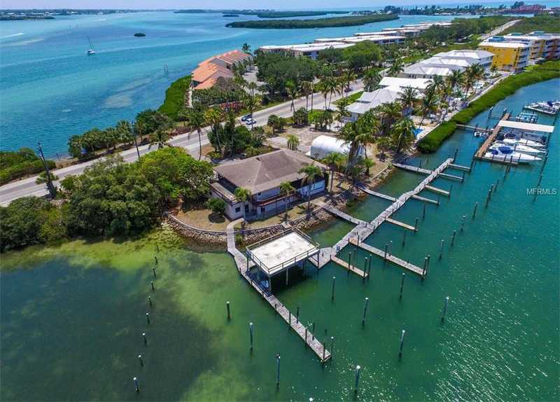 $1,500,000 - 3Br/2Ba -  for Sale in Holiday Isles, Englewood
