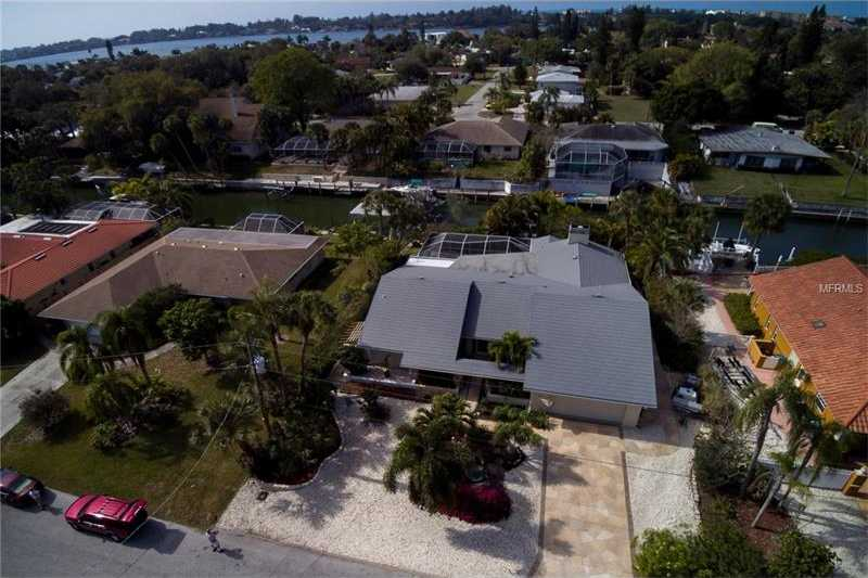 $799,000 - 2Br/3Ba -  for Sale in Bay View Acres, Sarasota