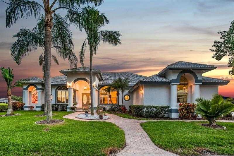 $899,900 - 4Br/4Ba -  for Sale in Placido Bayou, St Petersburg