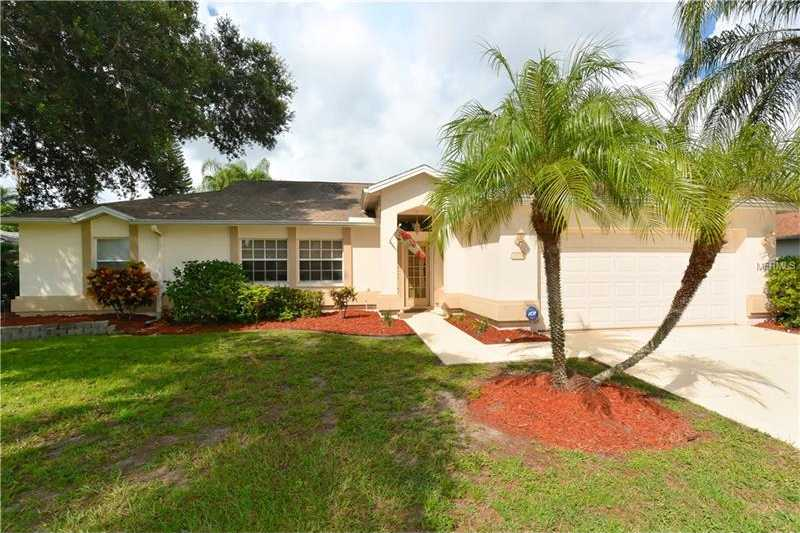$320,000 - 3Br/3Ba -  for Sale in Hamlets Grove, Sarasota