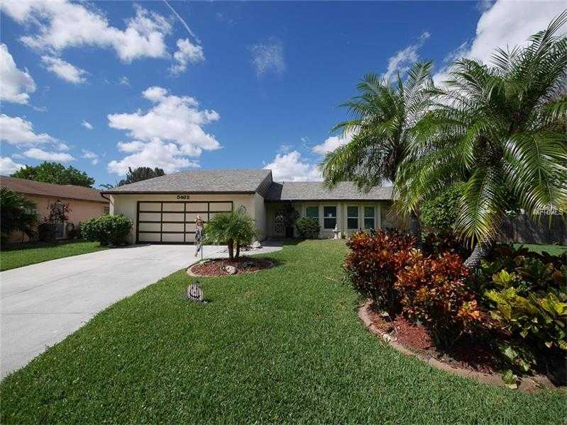 $300,000 - 3Br/2Ba -  for Sale in Westlake Estates, Sarasota