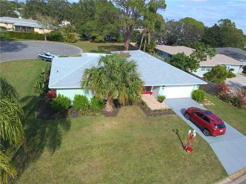 $315,000 - 3Br/2Ba -  for Sale in De Soto Country Club Colony, Sarasota