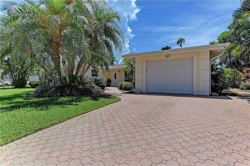 $779,000 - 3Br/2Ba -  for Sale in Bay Palms Unit 10, Holmes Beach