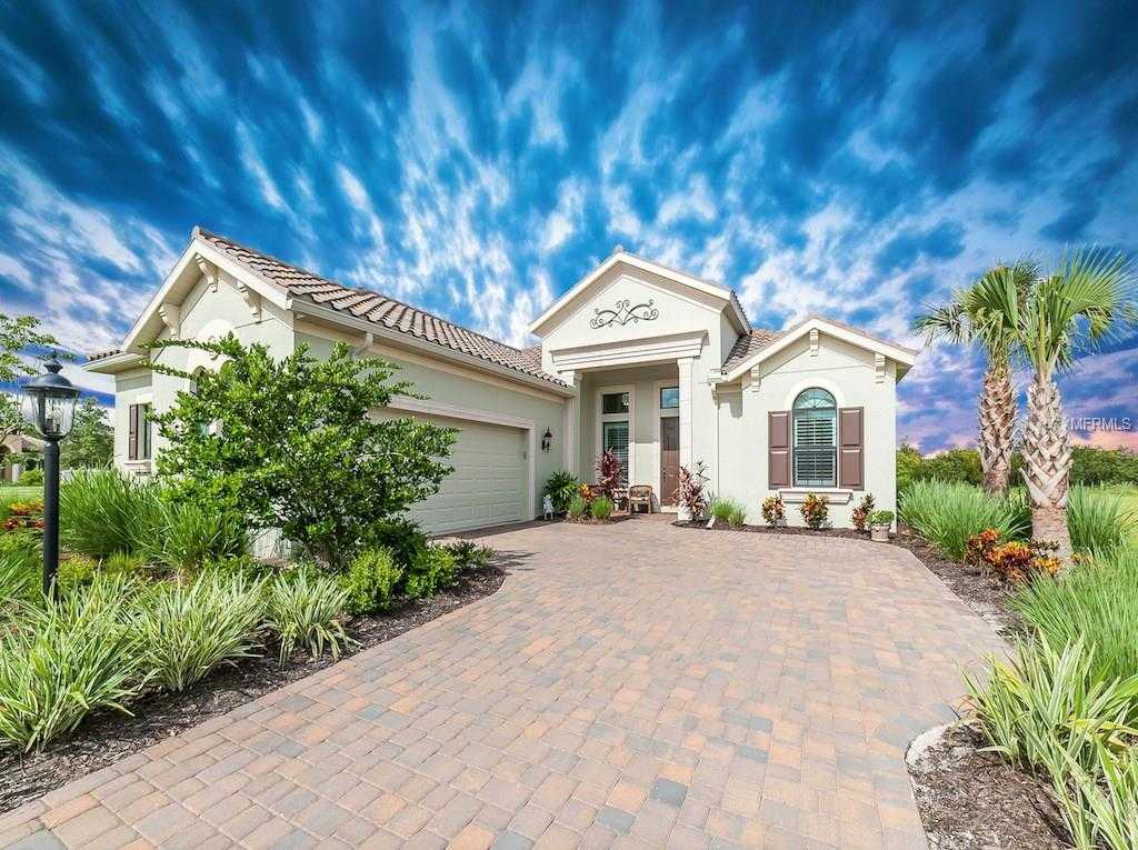 $739,900 - 4Br/4Ba -  for Sale in Country Club East At Lakewood Ranch Subp, Lakewood Ranch