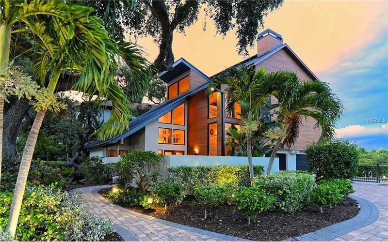 $1,549,000 - 3Br/5Ba -  for Sale in Siesta Cove, Sarasota