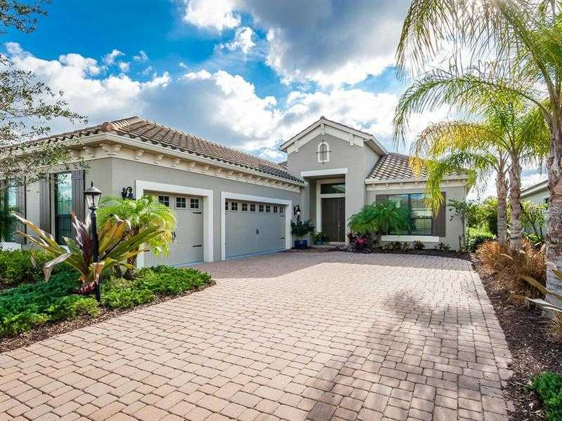 $649,900 - 3Br/2Ba -  for Sale in Country Club East At Lakewood Ranch, Lakewood Ranch