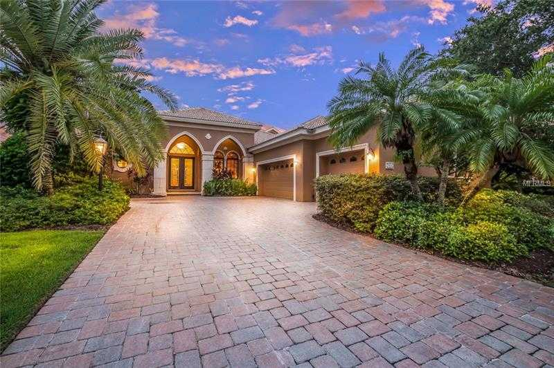 $800,000 - 3Br/4Ba -  for Sale in Lakewood Ranch Country Club, Lakewood Ranch