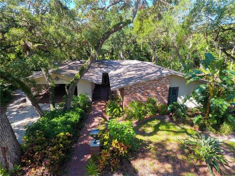 $799,000 - 4Br/3Ba -  for Sale in Shoreland Woods Sub, Sarasota
