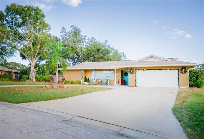 $315,000 - 3Br/2Ba -  for Sale in Frst Lakes Country Club Estates, Sarasota