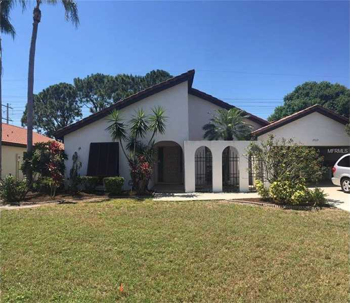 $299,900 - 3Br/2Ba -  for Sale in Meadows The, Sarasota