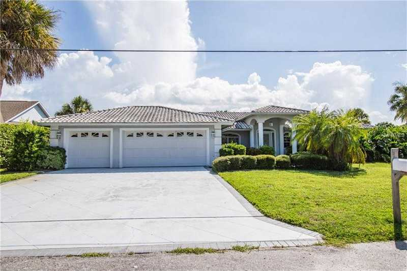 $716,600 - 3Br/3Ba -  for Sale in Bay View Acres, Sarasota
