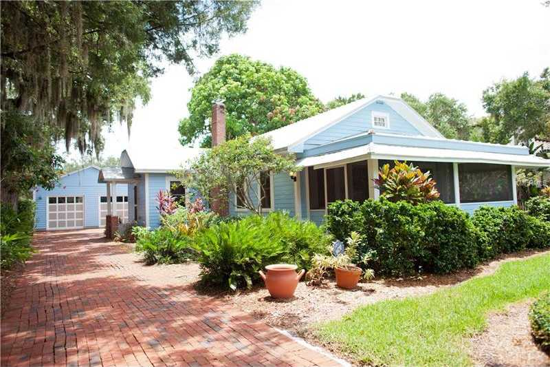 $969,000 - 2Br/2Ba -  for Sale in Grove Heights, Sarasota
