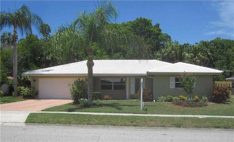 $317,900 - 3Br/3Ba -  for Sale in Gulf Gate Woods, Sarasota