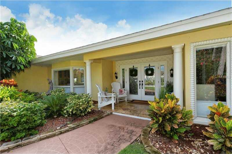 $1,195,000 - 3Br/2Ba -  for Sale in Country Club Shores, Longboat Key