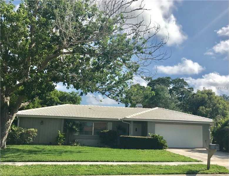 $315,000 - 3Br/2Ba -  for Sale in Gulf Gate Woods, Sarasota