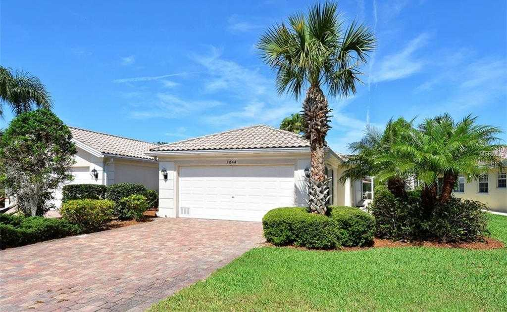$323,500 - 2Br/2Ba -  for Sale in Villagewalk, Sarasota