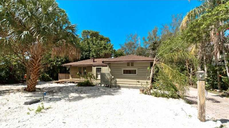$589,000 - 3Br/3Ba -  for Sale in Long Beach, Rev Of, Longboat Key