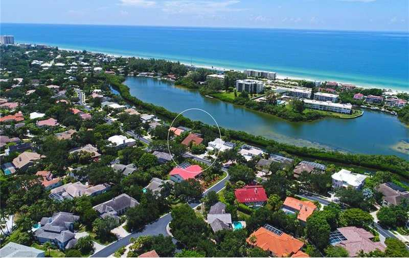 $1,225,000 - 4Br/3Ba -  for Sale in Bay Isles, Longboat Key