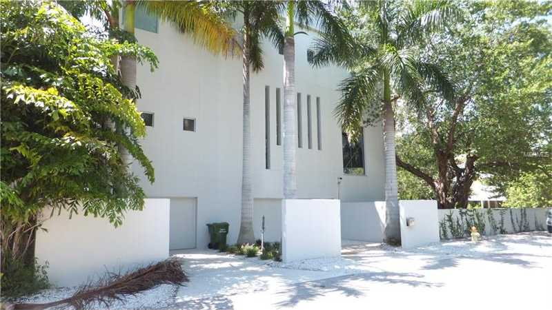 $2,500,000 - 4Br/5Ba -  for Sale in Siesta Rev Of, Sarasota