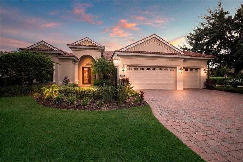 $719,000 - 3Br/3Ba -  for Sale in Lakewood Ranch Country Club, Lakewood Ranch