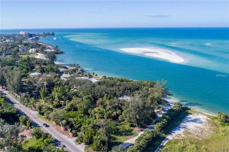 $3,650,000 - 3Br/3Ba -  for Sale in Siesta Rev Of, Sarasota