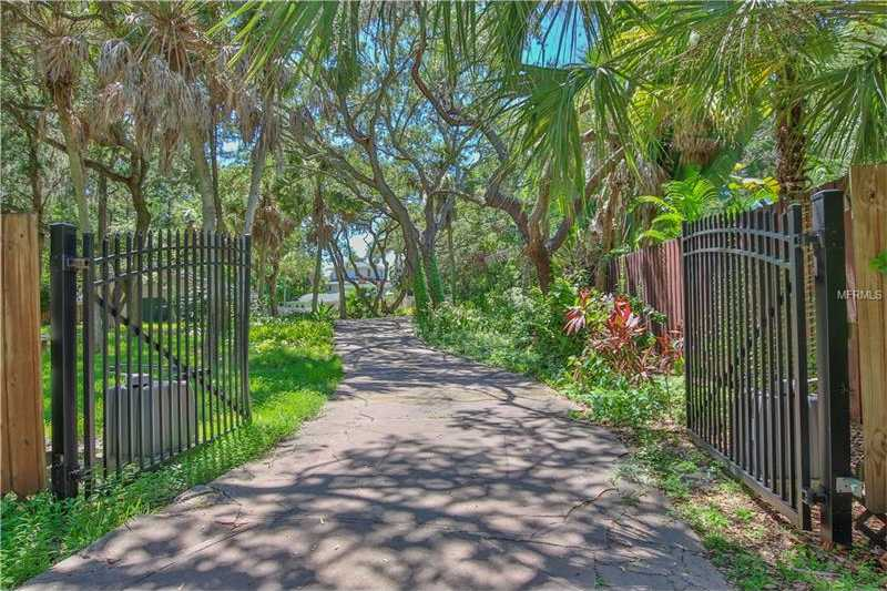 $1,999,900 - 3Br/3Ba -  for Sale in Fidder Bayou, Sarasota